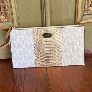 NWT Michael Kors Center stripe signature clutch